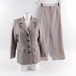 Dámský kostým s kalhotami šedý