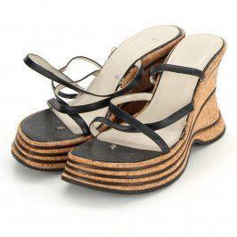 Dámské pantofle na vysokém korkovém klínu
