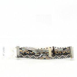 Široký náramek z textilie a korálků 18 cm
