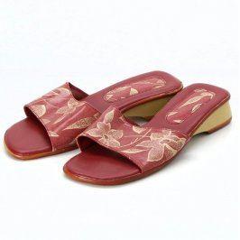 Dámské pantofle s motivem květin