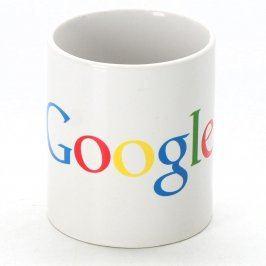 Bílý hrnek s nápisem Google