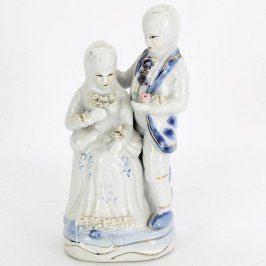 Porcelánové figurky - dáma s pánem