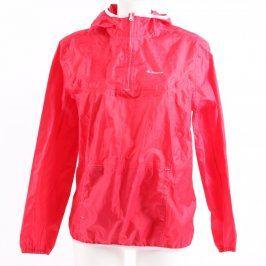 Pláštěnková bunda Quechua červené barvy
